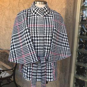 New York & Co. Sleeveless Houndstooth Caplet Coat